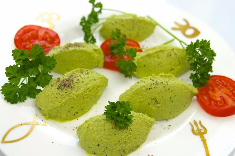 Nocken von Grüne Erbsen-Mousse