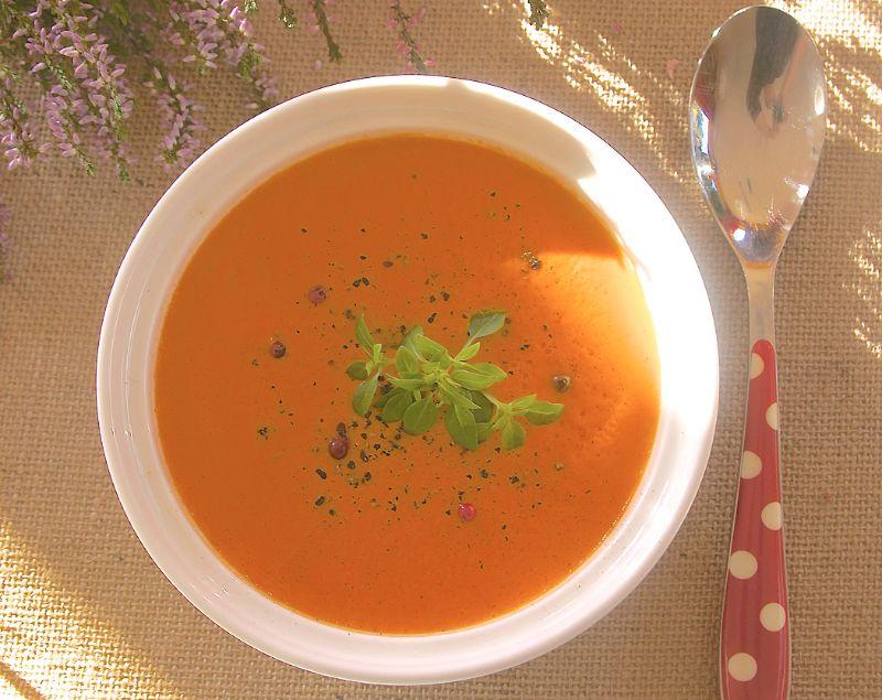 Paprika-Tomatenschaumsuppe